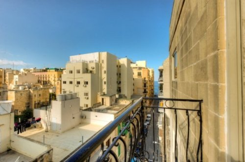 Apartment with garage in Sliema