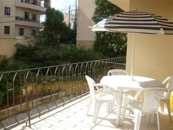 Apartment with garden in St Julians