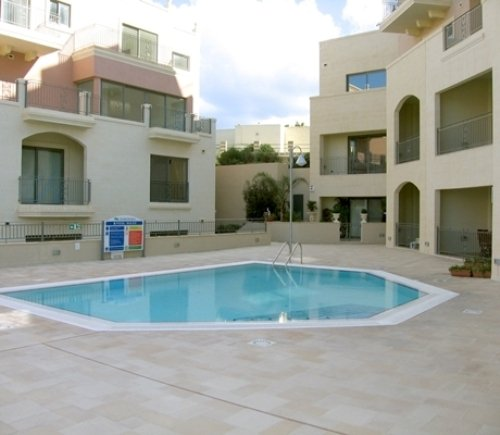 Swimming pool in Mellieha