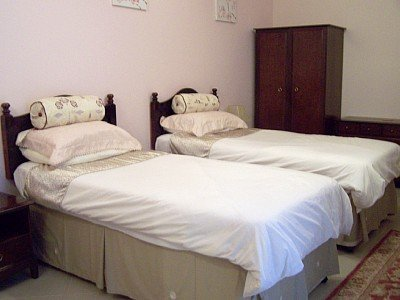 Bedroom with two single beds in mellieha