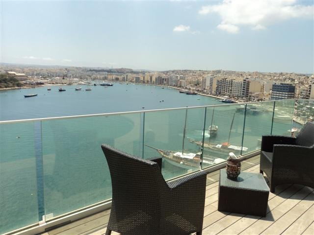 Beautiful view penthouse in Sliema