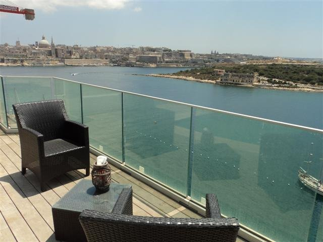 Penthouse with terrace in SLiema