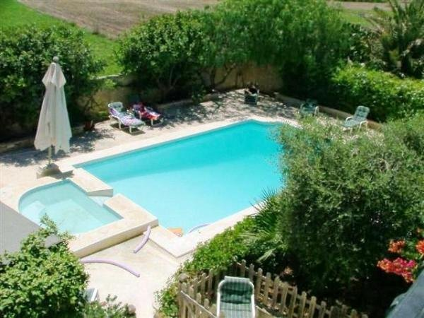 Gozo House with pool in Gharb