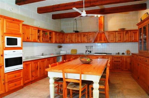 full furnished kitchen Gozo