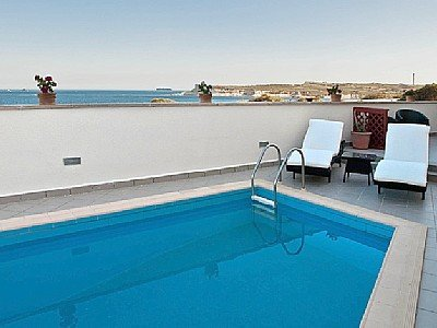 Penthouse for rent in Marsascala