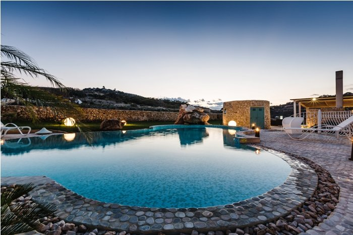 amazing villa with swimming pool malta