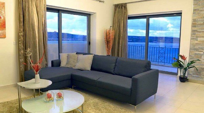 Living room to let Malta