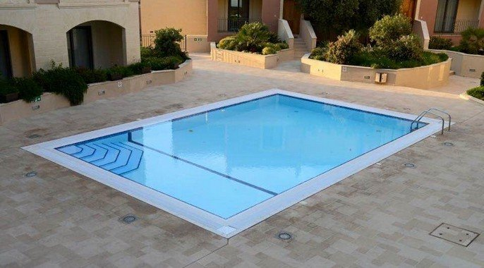 Pool for rent in Malta