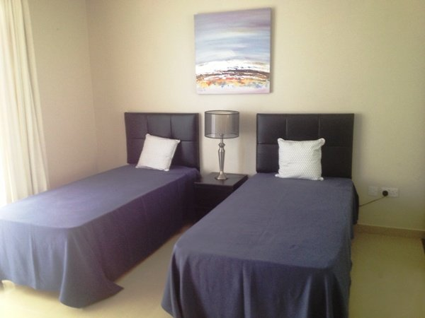 twin room for rent in Sliema