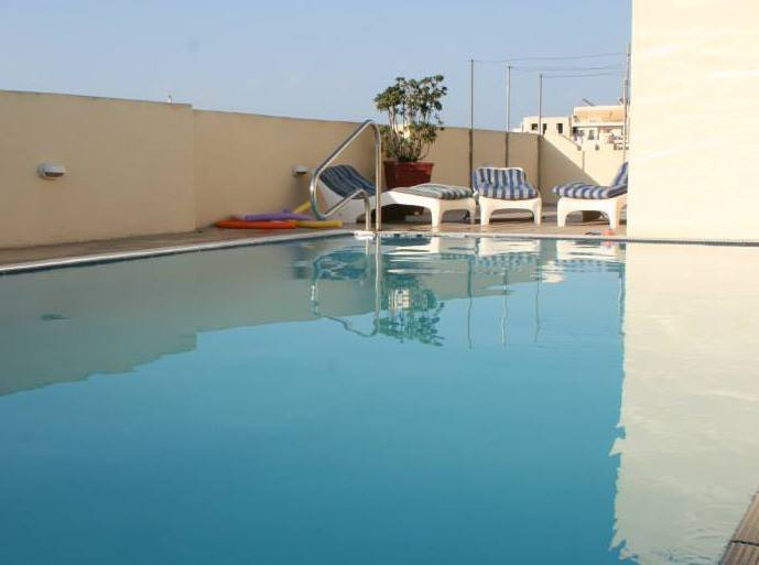 malta short let with pool