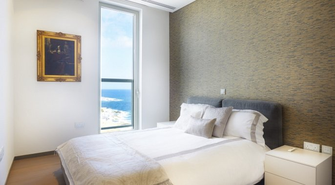 Malta Real Estate 3 Bedroom Apartment For Rent in Tigne Point