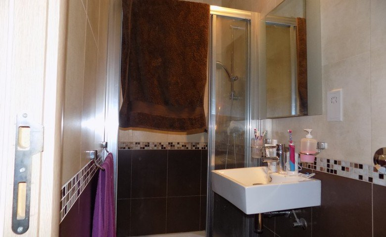 Properties for sale in Malta: Bathroom