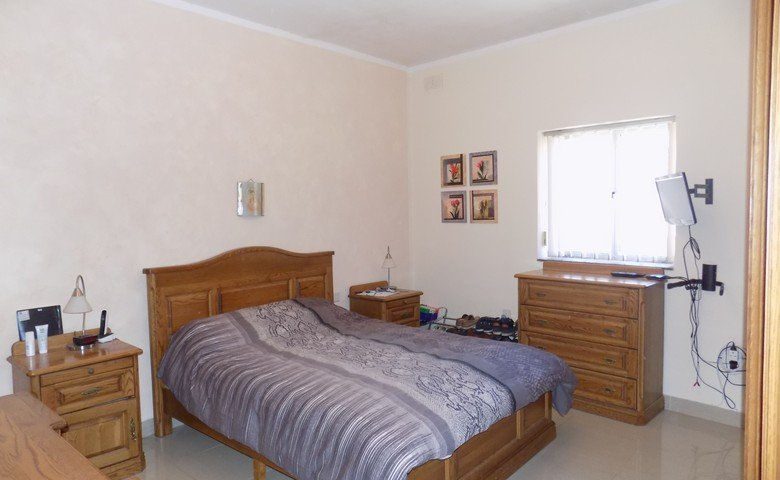 maisonettes for sale malta: Main bedroom