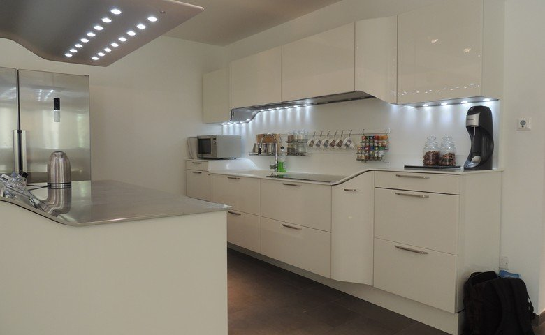 real estate agency malta: Kitchen