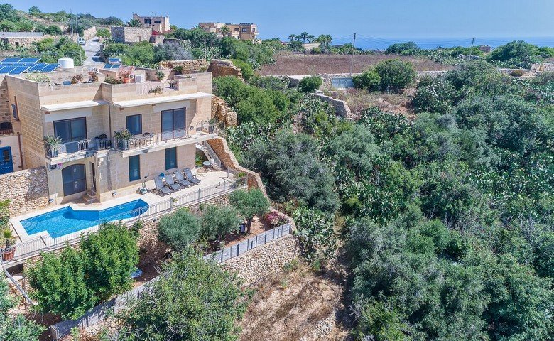 gozo farmhouses for sale: Pool with views