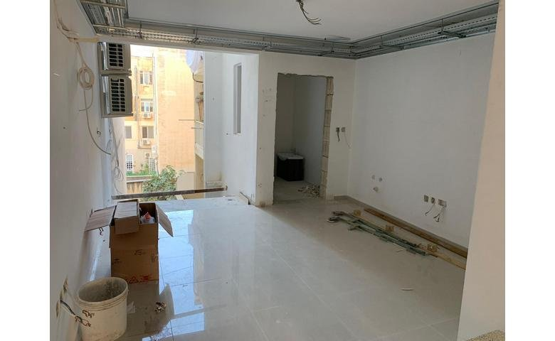 malta to let finished shop / office