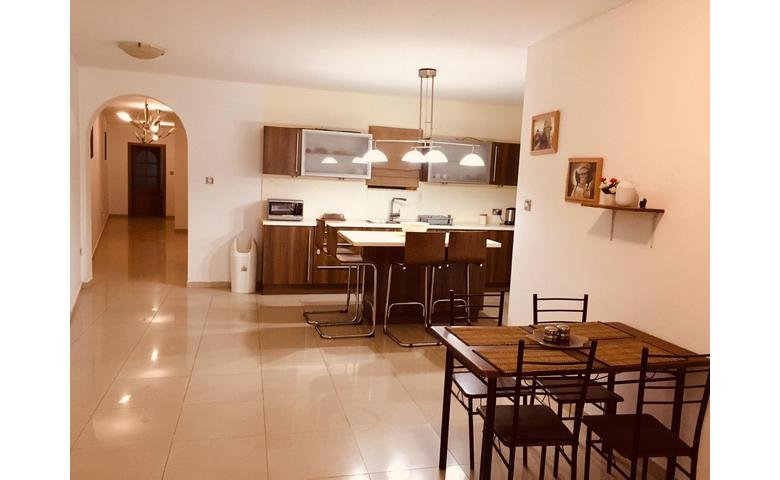 apartment to let malta premises