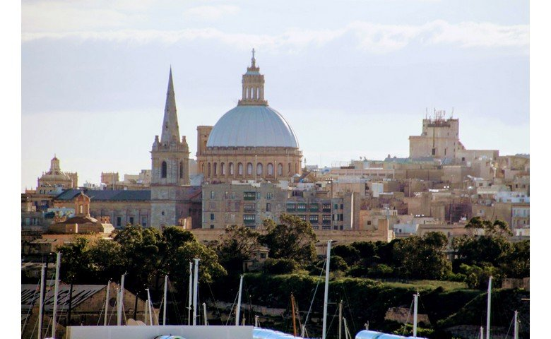 malta to let penthouse for rent furnished
