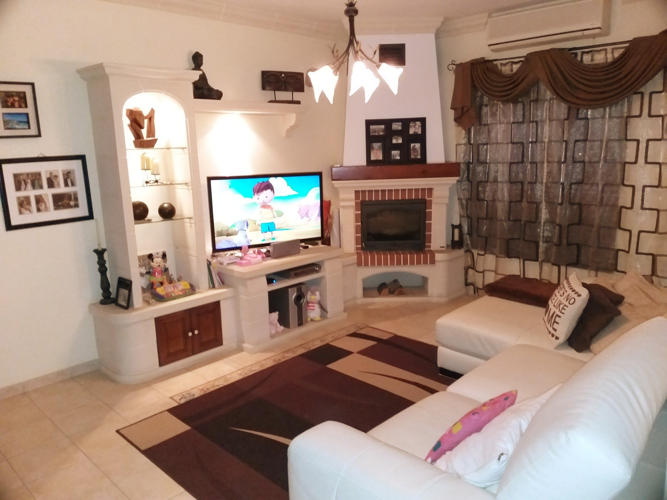 Property Malta: Living area