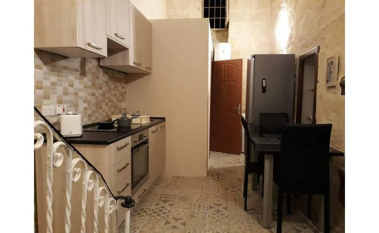 malta property for rent townhouse