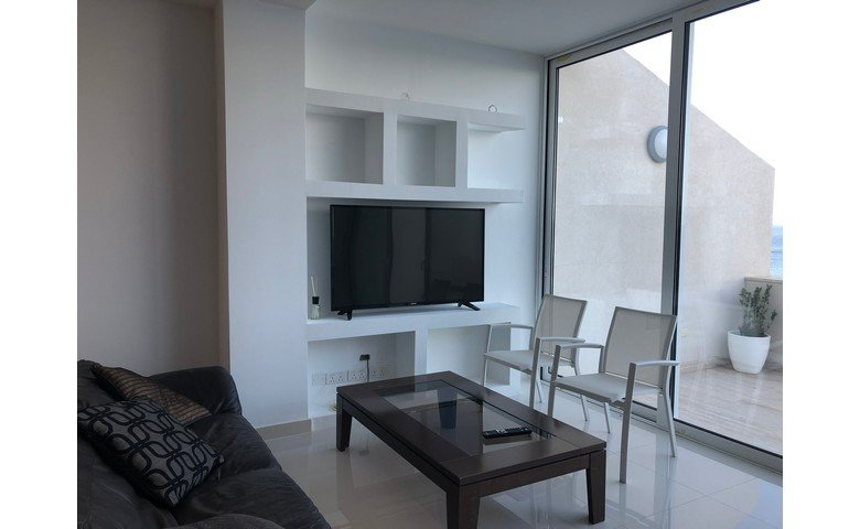 malta to let furnished penthouse