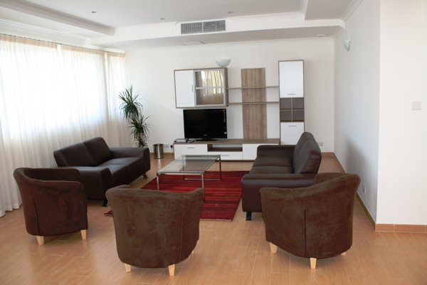 A Very spacious 3 bedroom apartment situated in the gardens St Julians