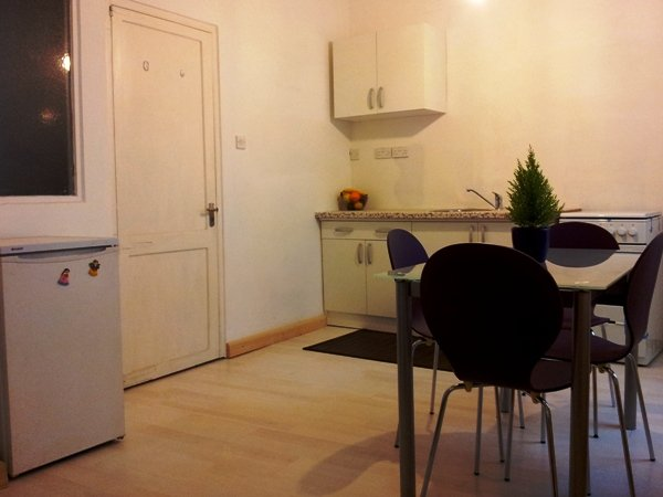 to let Studio apartment in FLoriana