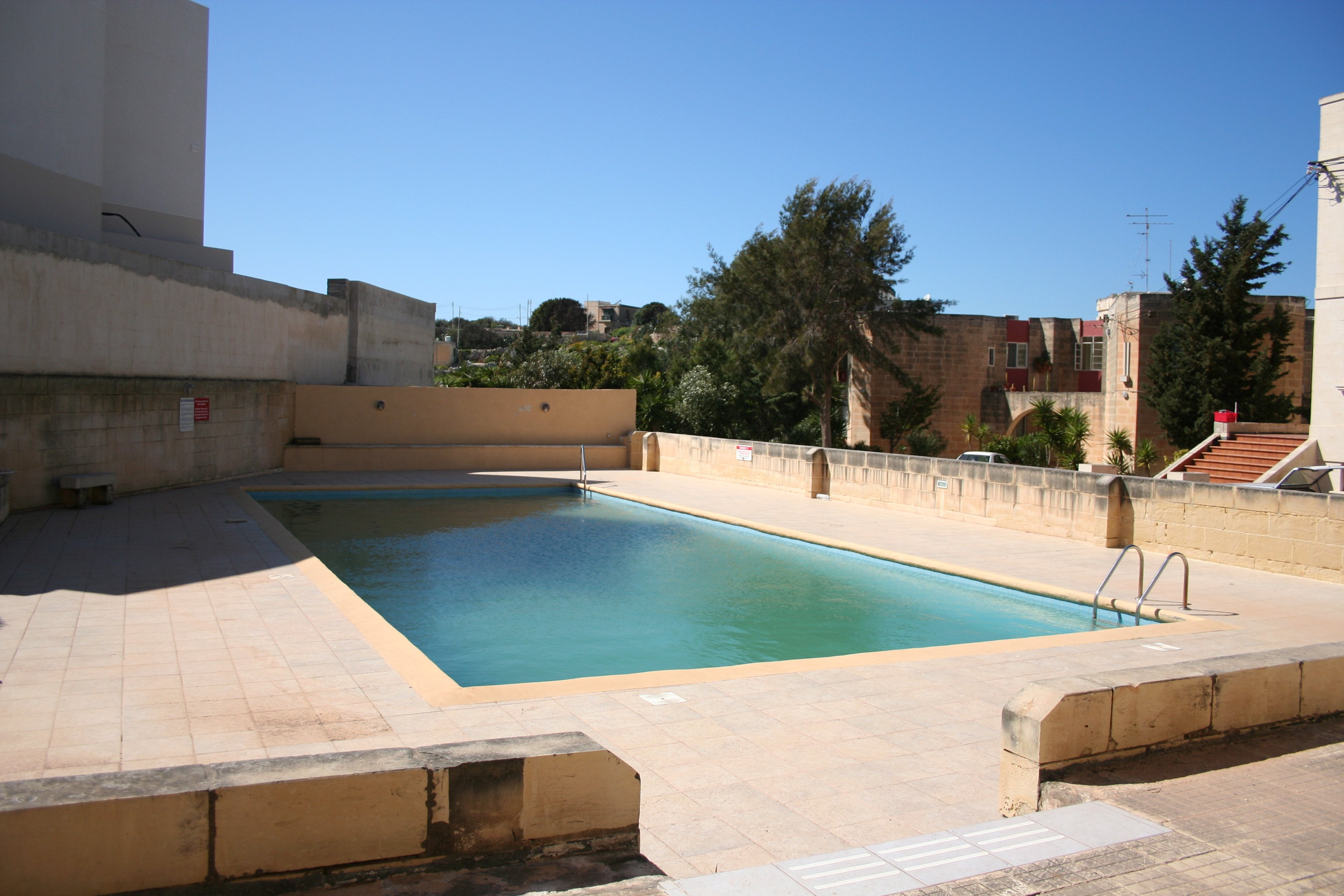 1 double bedroom apartment in Bahar ic-Caghaq with pool