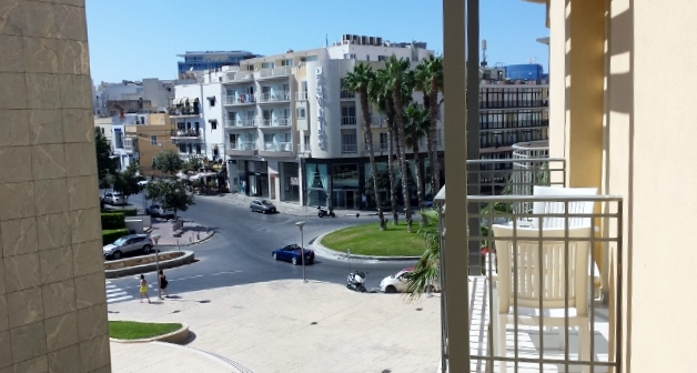 Fantastic views balcony apartment for sale in Portomaso