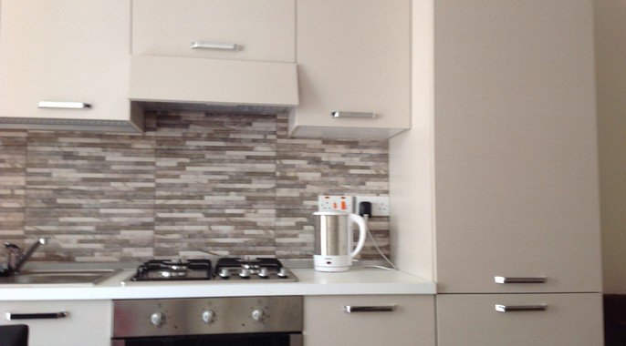 Fully fitted kitchen rent in Malta
