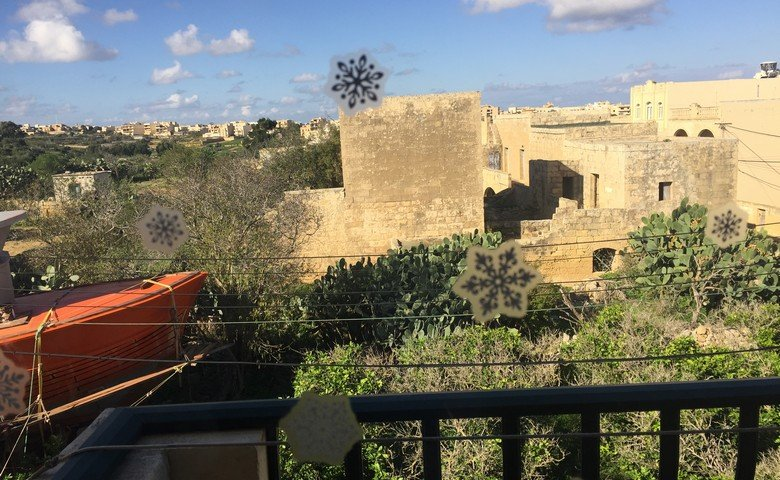 Gozo property: Country views