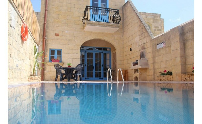 gozo property for rent house