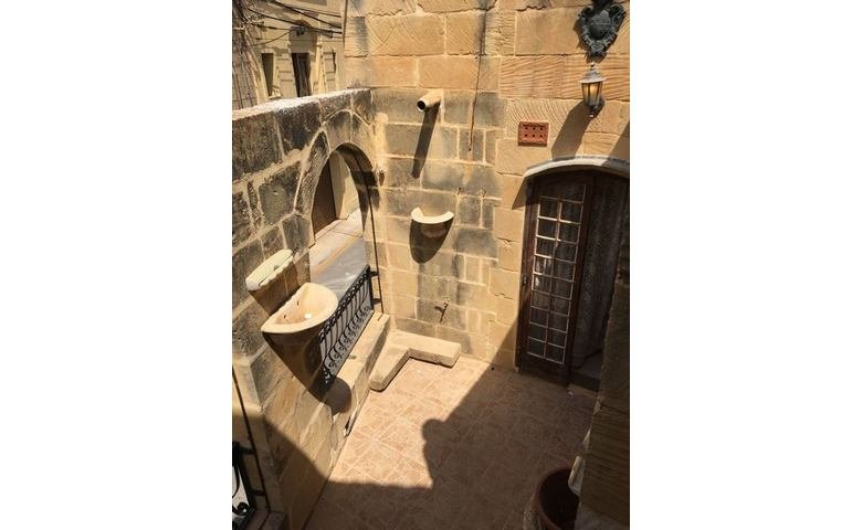gozo long lets house finished in gharb