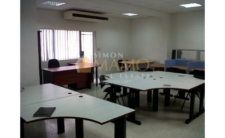Spacious and fully equipped office in Paceville, St Julians