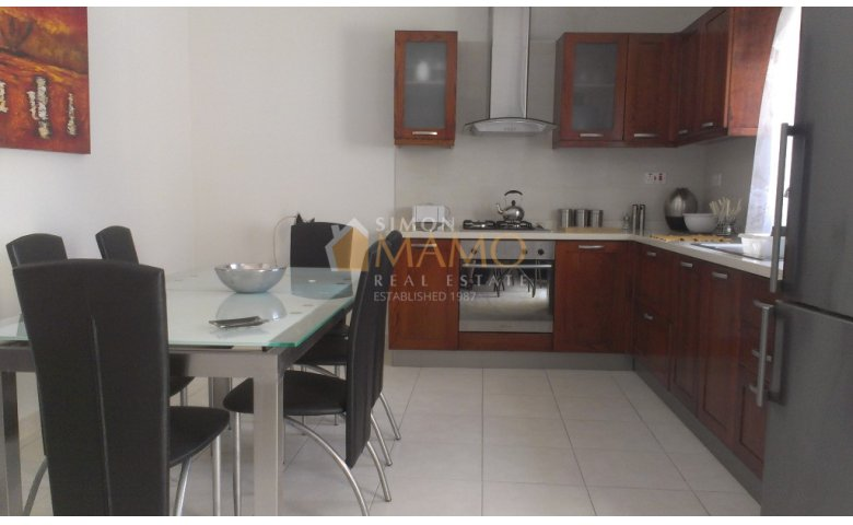 2 Bedroom Modern Apartment In St Paul With Sea Views
