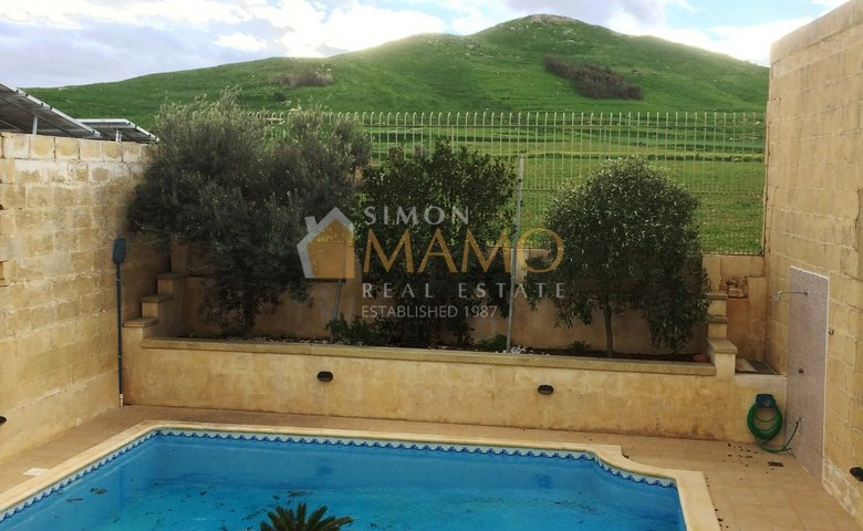 Gozo Apartments For Rent: Gharb Flat With 3 Bedrooms : Ref No 35239