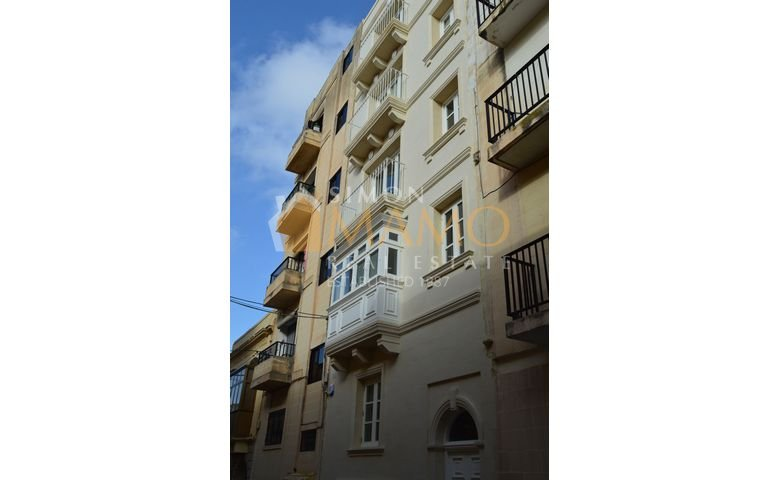 a3074ebb0 Apartment to let in Malta: Sliema nicely furnished flat with 3 bedrooms : Ref  No 42949