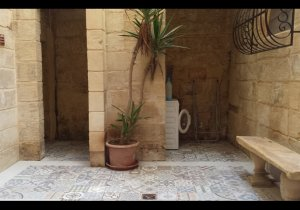 Apartments for rent in Malta: Valletta 1 bedroom flat to let malta, property malta, letting malta, real estate malta, simon mamo malta